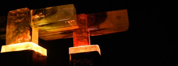 cross-closeup-resin-layers